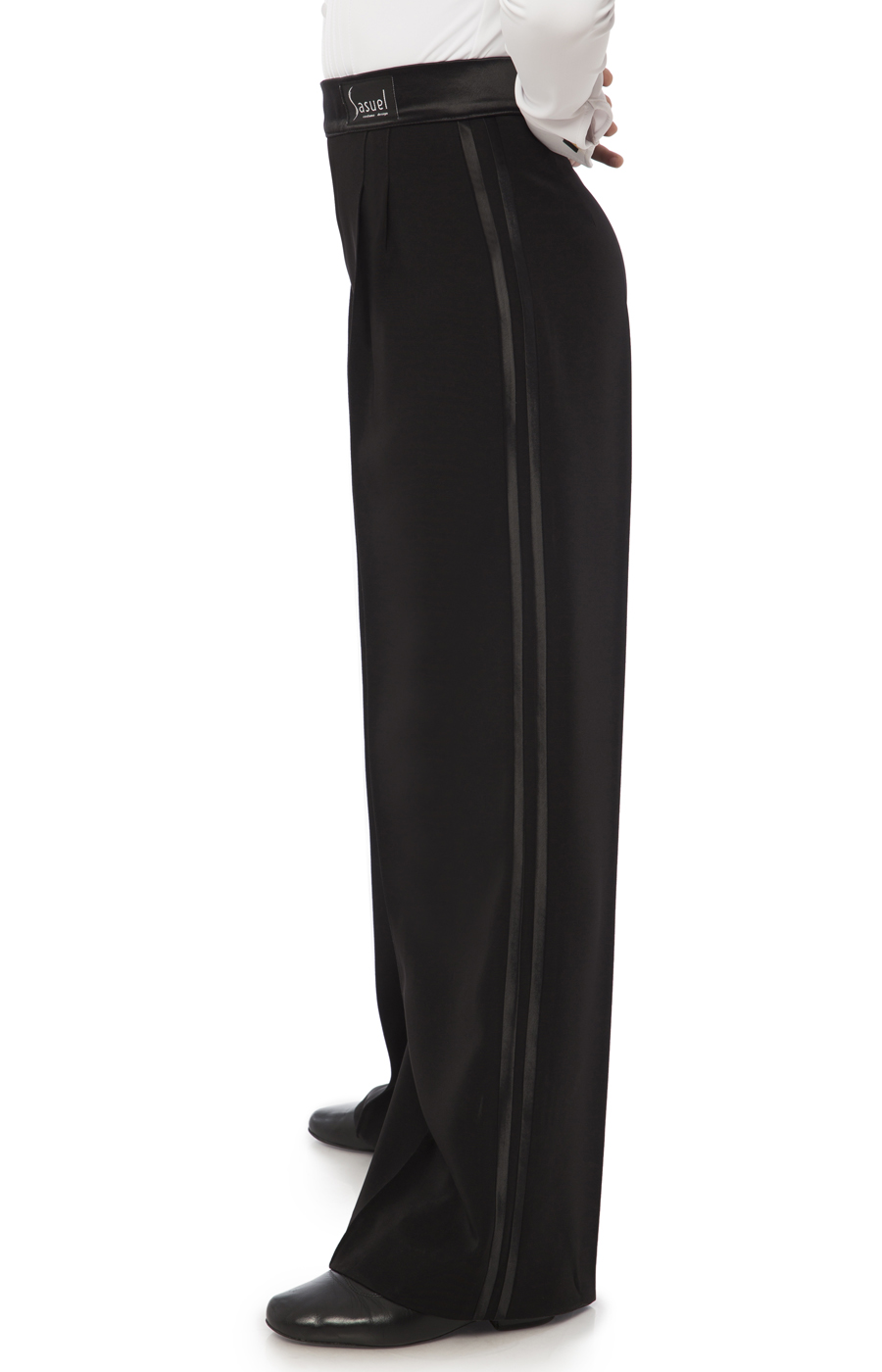 Juvenile trouser with double satin binding